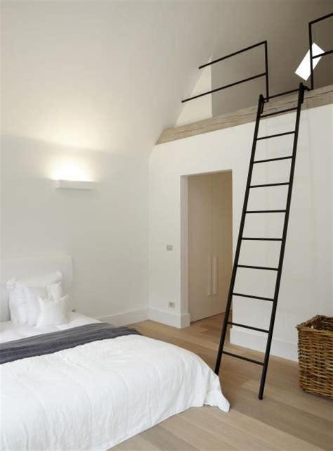 small mezzanine bedroom best 25 mezzanine bedroom ideas on pinterest mezzanine