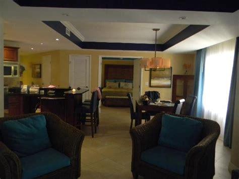 delightful 2 bedroom suites in phoenix 6 divi aruba breakfast with a view divi resort picture of divi aruba
