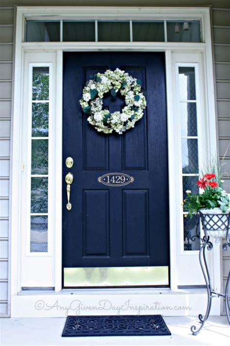 Colored Porch Lights Meaning by What Does The Color Of Your Front Door Say About You