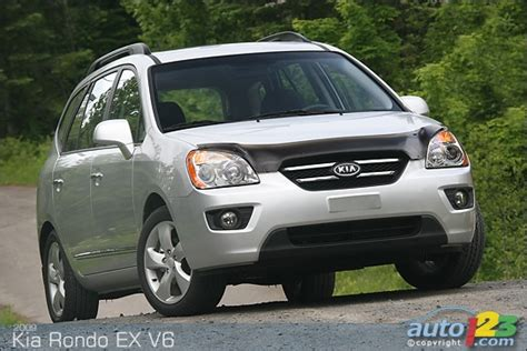 2009 Kia Rondo Ex Auto123 New Cars Used Cars Auto Shows Car Reviews