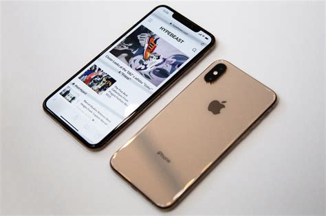 iphone xs xs max poor cellular wi fi reception hypebeast