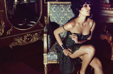 Johanssons Fifties Vogue Shoot by Freida Pinto Looks Stunning In Retro Style In Flaunt