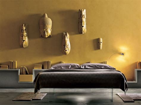 Charmant Deco Pour Chambre Adulte #2: couleur-peinture-chambre-jaune-exotique-t%C3%AAte-lit-rangement.jpg