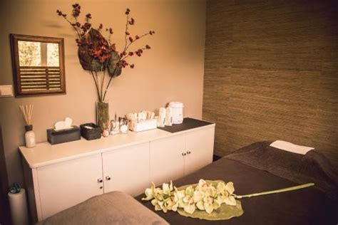 Wax And Relax Room by Zen Room Picture Of Zen Lounge Waiheke