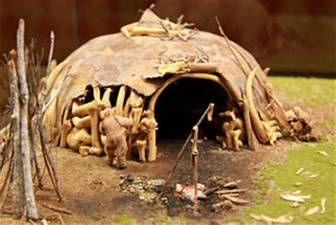 hutte en os de mammouth mus 233 e de pr 233 histoire grand pressigny hominid 233 s