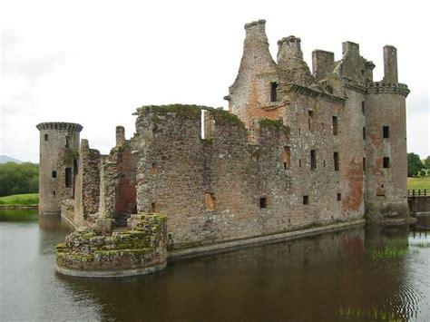 castillos fortalezas y catedrales 622 mejores im 225 genes de castillos fortalezas personajes monasterios y catedrales medievales