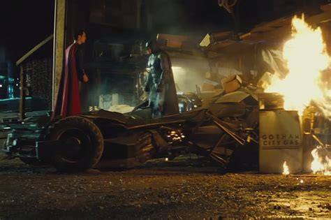 Kaos Batman V Superman 26 Bv batman v superman adaletin 蝙afa茵莖 filminin yeni tv spotu