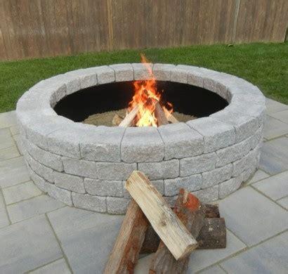 feuerstelle stein wie k 246 nnen sie eine feuerstelle bauen 60 fotobeispiele