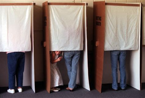 swing voters definition voting booth