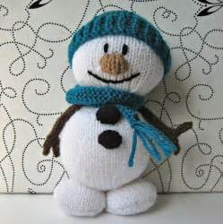 Christmas decoration or toy gift easy to knit with this step by s like