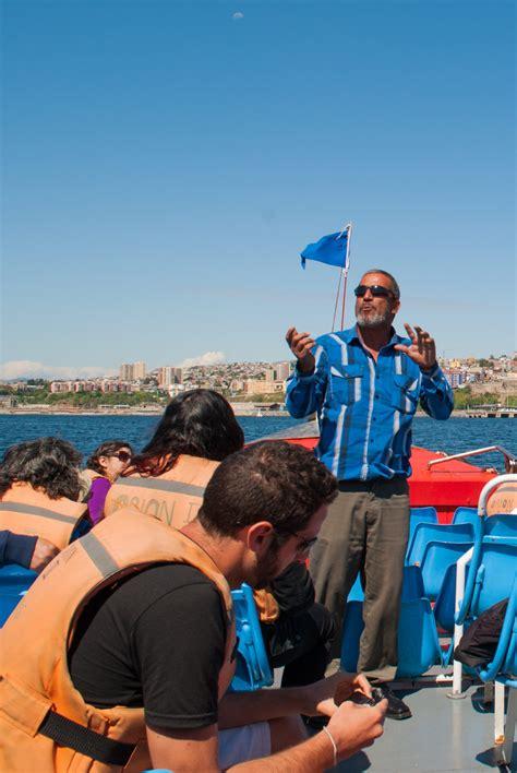 boat tour valparaiso lancha lancha harbor tour of valparaiso chile mbsees