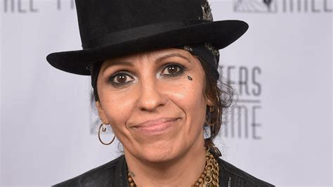 linda perry singer songwriter lady gaga undeserving of oscar nom linda perry says am