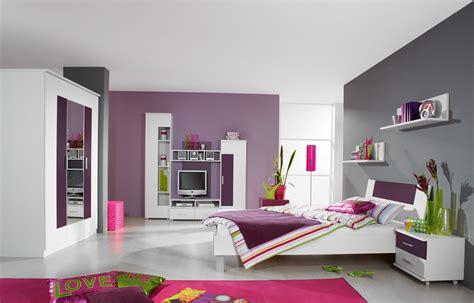 jugendzimmer lila weiß wandfarbe grau rosa