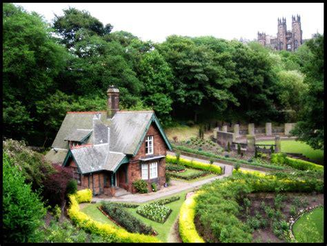 edinburgh cottage by clintonkun on deviantart
