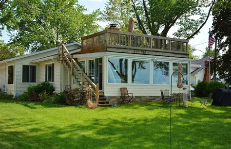 lake house rentals ohio vermilion ohio beautiful lake front beach house 2 br vacation house for rent in ohio homeaway ca