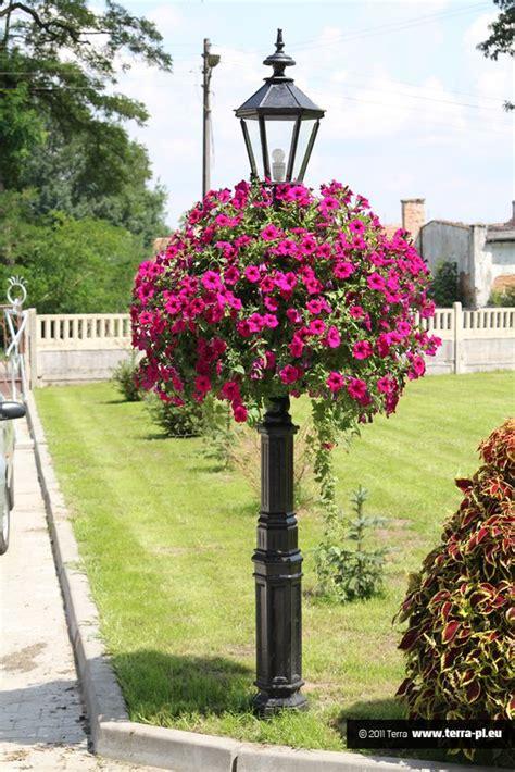 how to make a flower tower honeybear lane 1000 ideas about flower tower on pinterest gardening