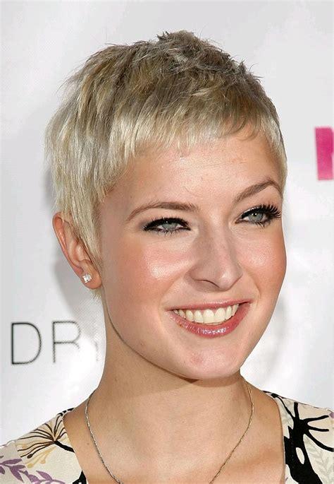 Popular Hair Cuts Womens Paris France   very short hairstyles beautiful hairstyles