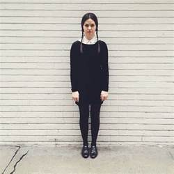 Wednesday Addams Costumes 25 Best Ideas About Wednesday Addams Halloween Costume On Pinterest Wednesday Addams Makeup