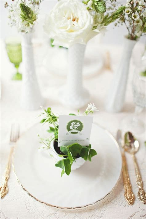 Polynesian Home Decor by Gold Green Amp White Wedding Place Setting Fab Mood
