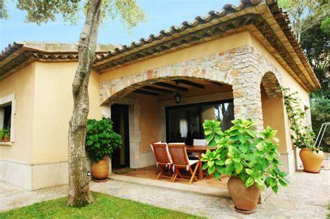casas con porche y jardin porches jardin y terrazas cubiertas 50 dise 241 os