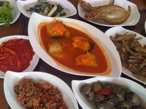 ikan asam pedas ikan baung asam pedas pekanbaru picture of rumah makan