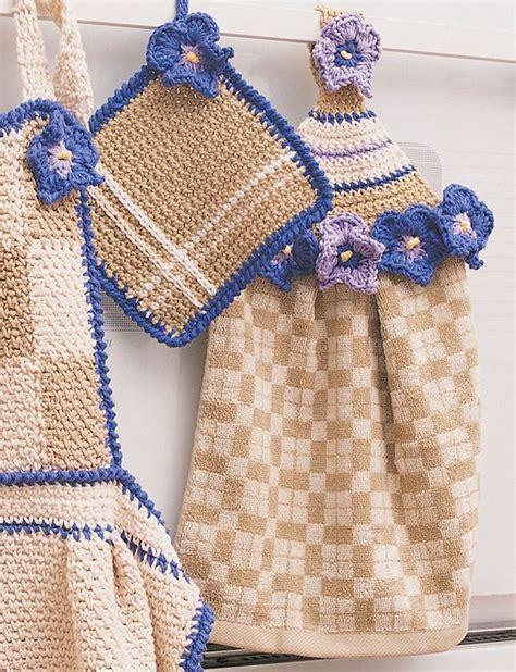 pattern for dishcloth holder yarnspirations com bernat towel topper pot holder