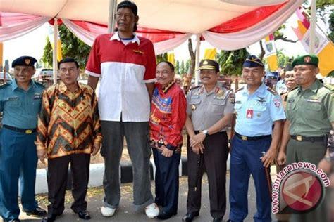 Pemutih Tje Di Indo manusia tertinggi di indonesia meninggal dunia antara news bengkulu