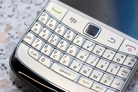 most popular mobile network uk windows phone popularity set to outstrip blackberry in uk