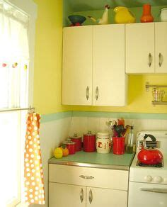 1000 ideas about all things on and white and vintage kitchen