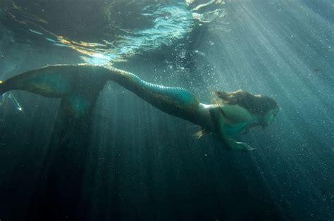 imagenes de sirenas oscuras 5 razones para leer sirenas canci 243 n de mar de amanda