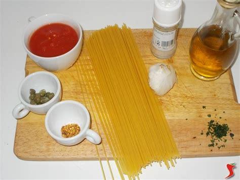 cucinare spaghetti cucinare gli spaghetti spaghetti ricetta cucinare