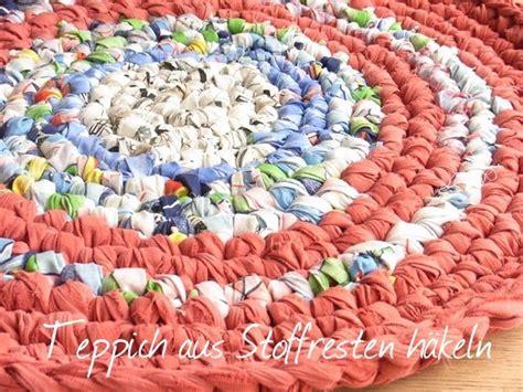 teppiche selber stricken teppich aus stoffresten h 228 keln recycling