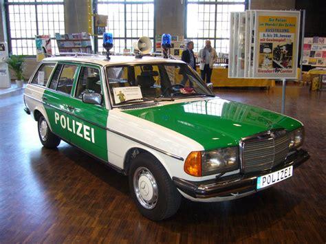 polizei wagen mercedes w123 typ 280te baujahr 1980 es handelt