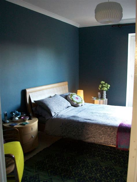 dark blue bedroom walls pin by joanne thyne on interior colors pinterest