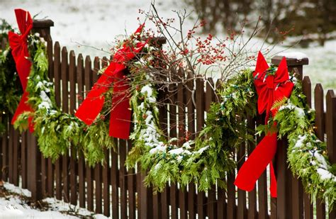 christmas decorations for fences decorating your vinyl fence for the holidays