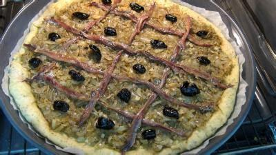 recette cuisine nicoise pissaladi 232 re ni 231 oise recette l 233 gumes supertoinette