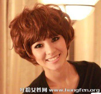 女士中短发烫发发型_沙宣女士中短发发型_女士中短发发型_精彩图文_贵镇图片网