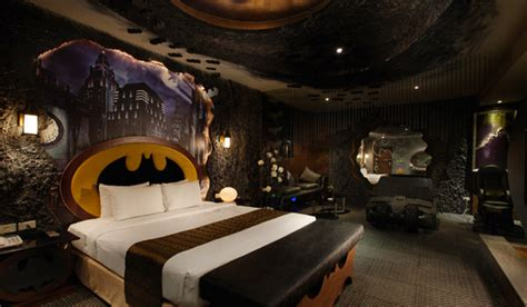 batman bedroom cool rooms nerdiest geektastic rooms ever