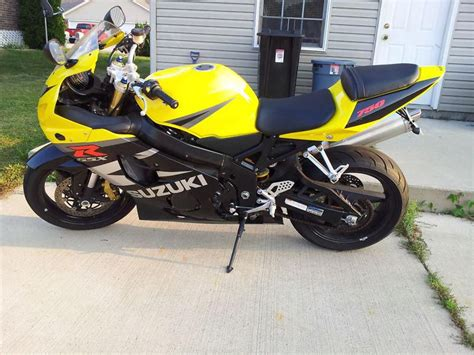 04 Suzuki Gsxr 750 04 Gsxr 750 Yellow Black For Sale On 2040 Motos