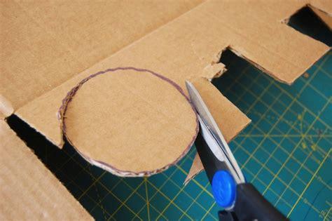 cara membuat rak buku tak terlihat biar lebih hemat buat saja rak buku dari kardus