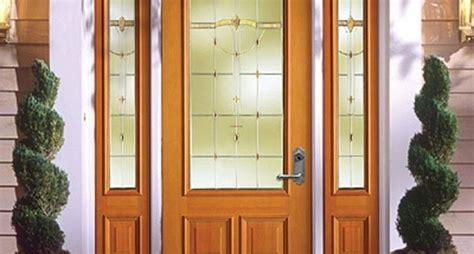 costruzione porta in legno porte in legno porte