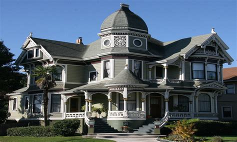 queen anne victorian house creepy victorian house home queen anne victorian house old victorian style homes mexzhouse com