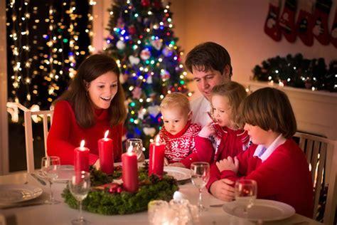 imagenes feliz navidad en familia 10 juegos de mesa para pasar una navidad en familia