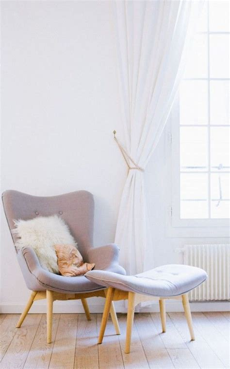 Small Bedroom Chair by 1000 Ideas About Bedroom Chair On Chairs