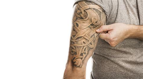 tatuaggi braccio uomo fiori tatuaggi sul braccio interno uomo foto