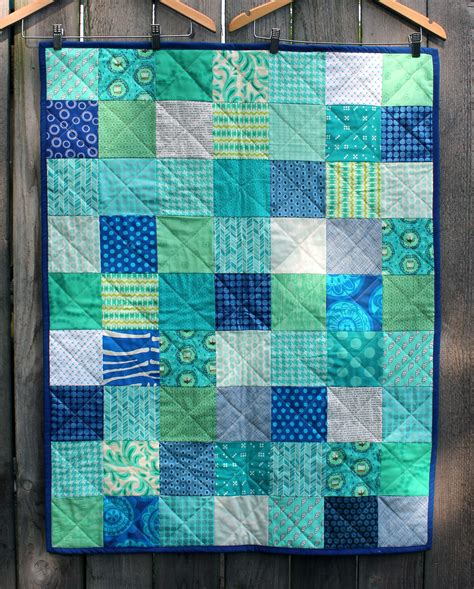 Easy Patchwork Quilts - a and simple finish for friday wombat quilts