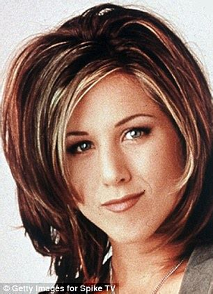 jennifer aniston shows off latest hairstyle at hollywood