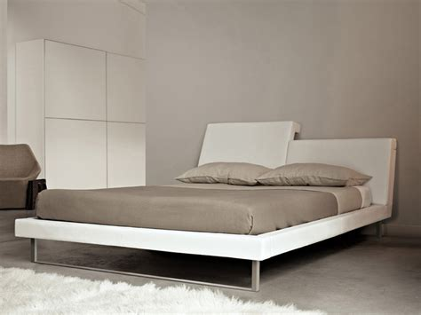bed with adjustable headrest r e m frighetto line by