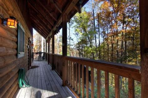 How To Pack For A Fling Getaway by Forest Fling 2 Bedroom Cabin Rental Pigeon Forge And