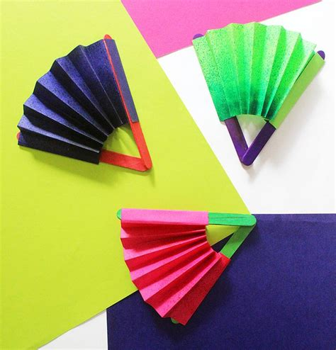 Crafts Made Out Of Paper - best 25 paper fans ideas on diy